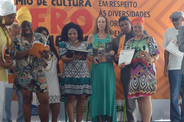 A Cozinha dos Quilombos recebe Prêmio de Cultura Afro Fluminense 2015