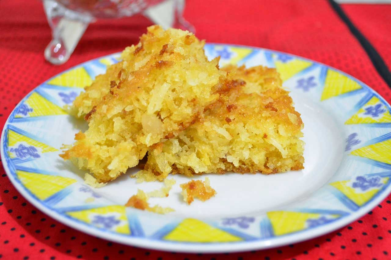 Maria Romana´s Quilombo - CASSAVA CAKE WITH COCONUT